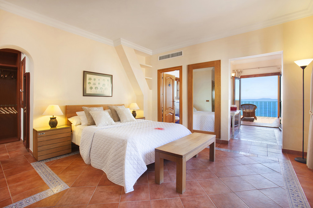 Main Suite towards Sea